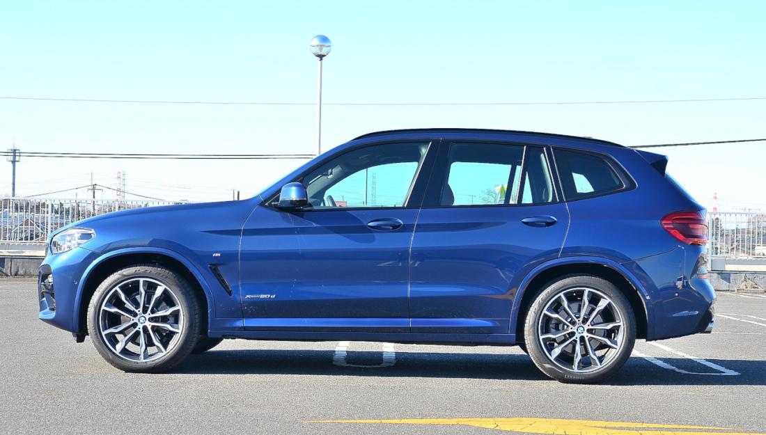 BMW X3 20dサイド