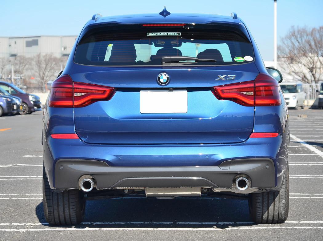 BMW X3 20dリア