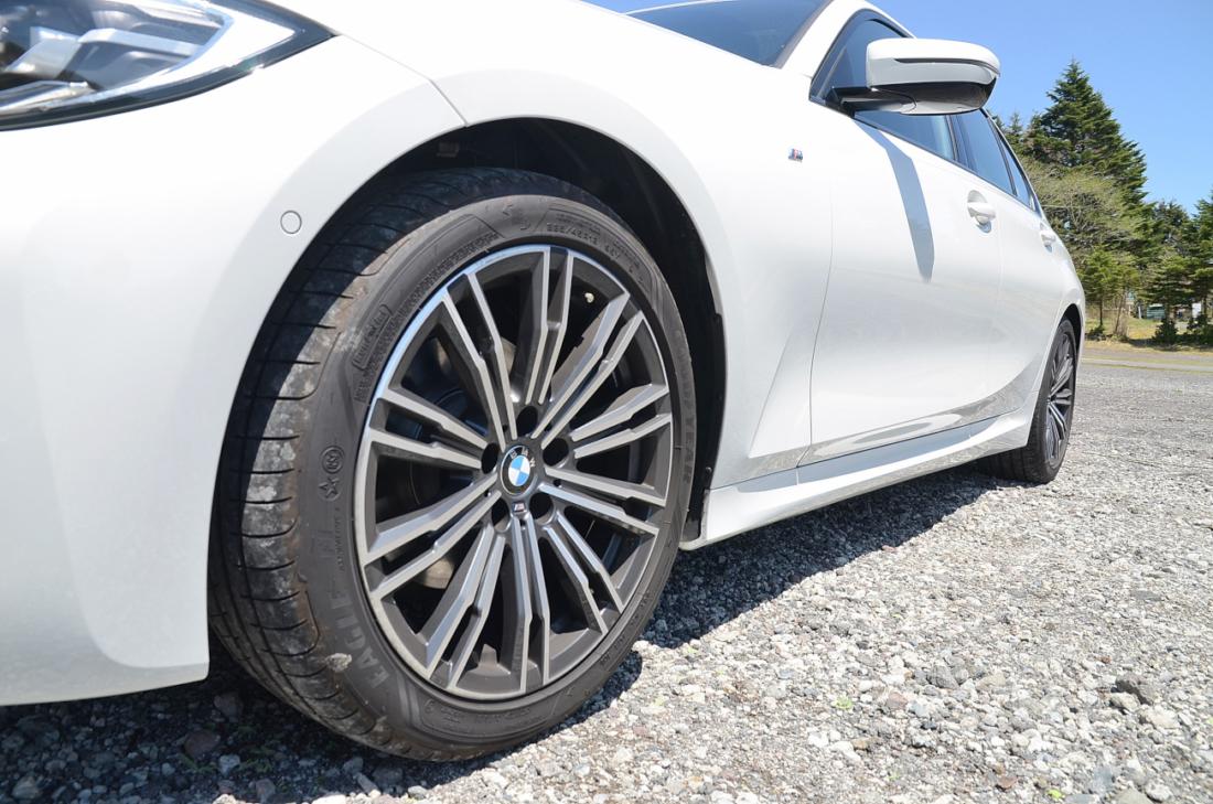 BMW3シリーズ タイヤ ホイール
